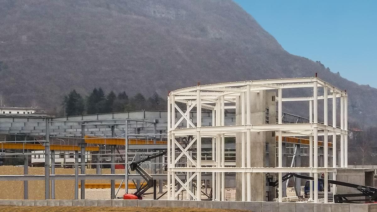 Priaforo: edificio produttivo in acciaio a Valdastico, Vicenza (1)