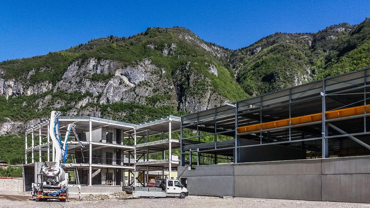 Priaforo: edificio produttivo in acciaio a Valdastico, Vicenza (2)