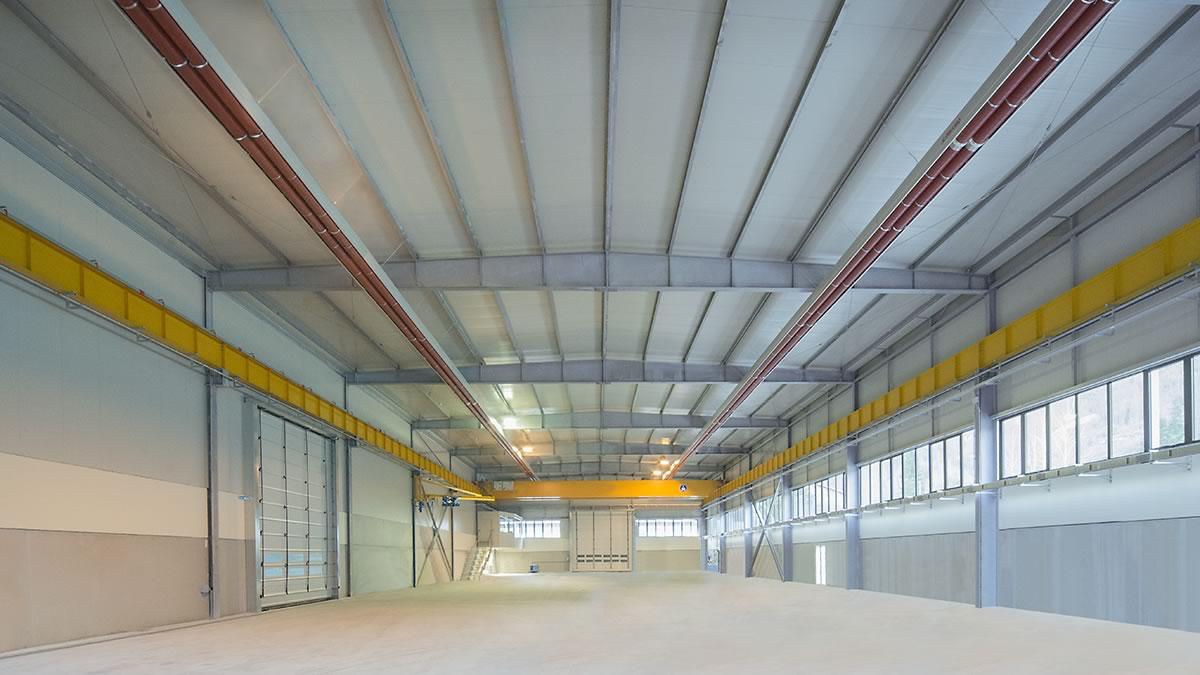 Priaforo: edificio produttivo in acciaio a Valdastico, Vicenza (3)