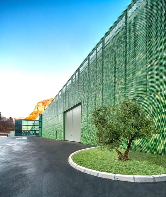Priaforo: edificio produttivo in acciaio a Valdastico, Vicenza (4)